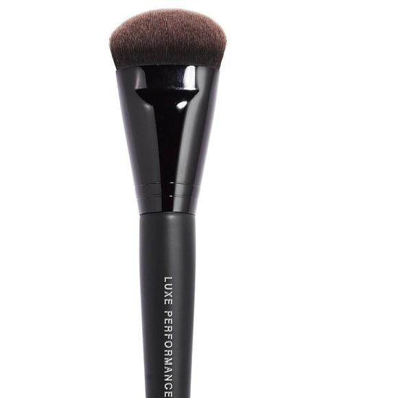 bareMinerals Other - LUXE PERFORMANCE BRUSH